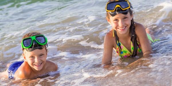Летний отдых на воде: как обезопасить ребёнка